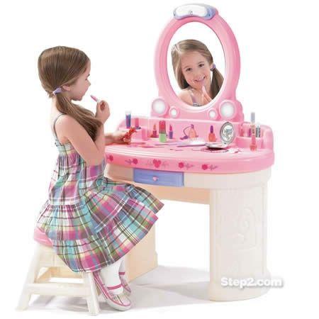 Туалетный столик «Маленькая Барби»