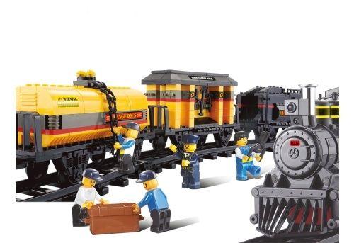 """Конструктор """"Железнодорожный вокзал: Грузовой поезд"""", 328 деталей"""