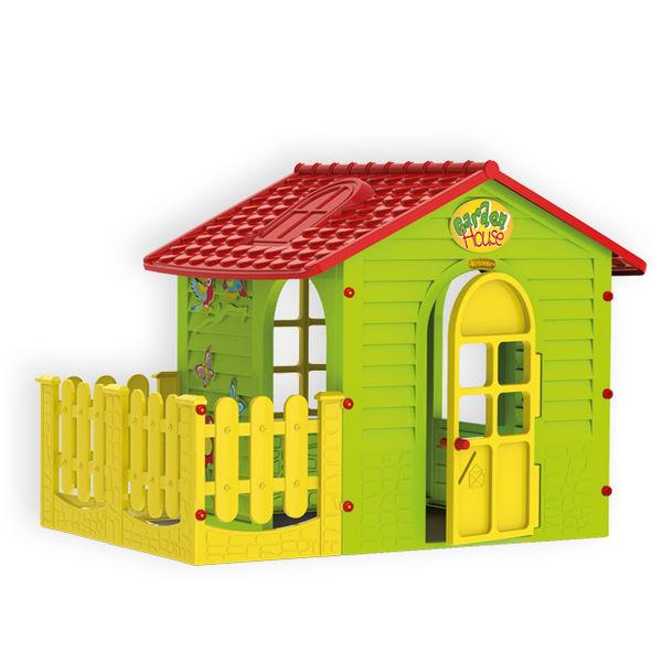 Домик с забором