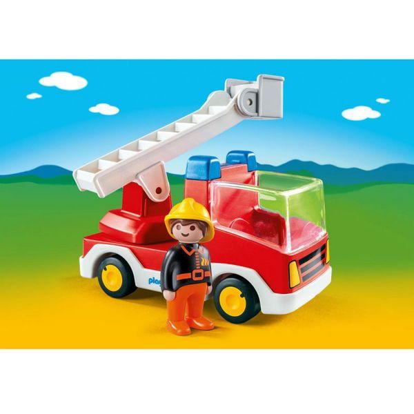 1.2.3.: Пожарная машина с лестницей