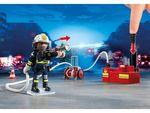Пожарная служба: Пожарники с водяным насосом